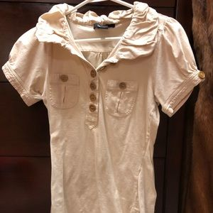 Shirt with wooden buttons. Arden B